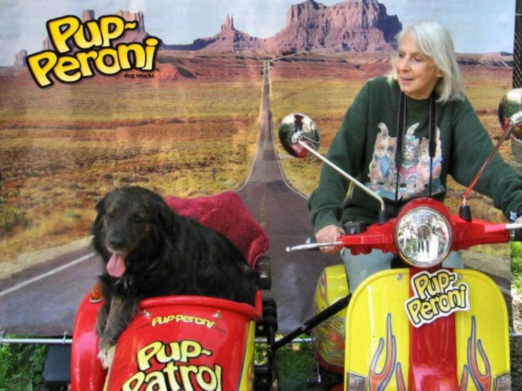 Eleanor and Ashley riding through Arizona.